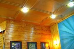 Потолки из фанеры своими руками: установка и облицовка