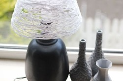 Лампа с абажуром из ниток