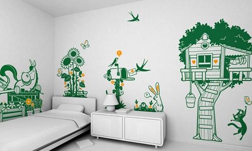 Необычная покраска стен при помощи трафаретов, губки, тряпки