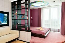 Зонирование гостиной и спальни с помощью цвета