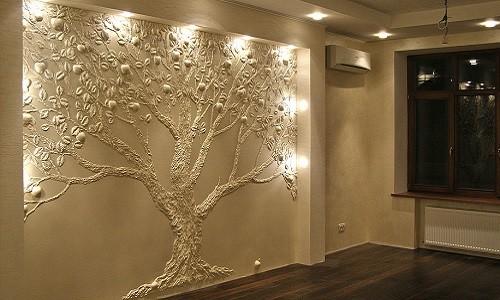 Рельефная картина на стене