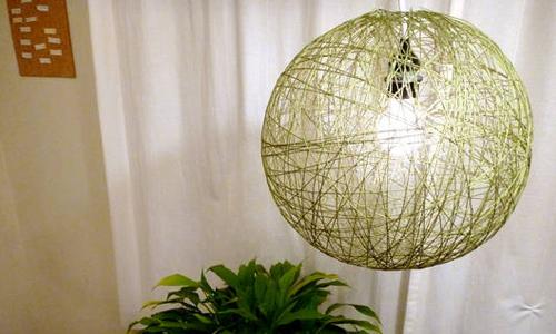 Напольная лампа из ниток