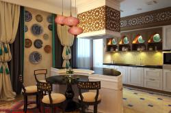 Дизайн кухни гостиной в восточном стиле