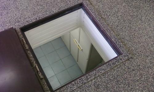 лючок в полу