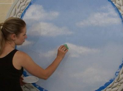 Чем нарисовать облака на потолке