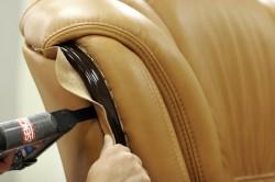 Перетяжка кресла тканью