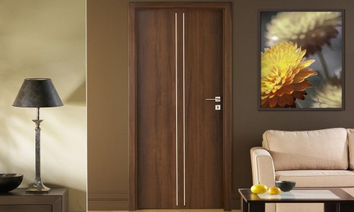 Оклейка дверей пленкой