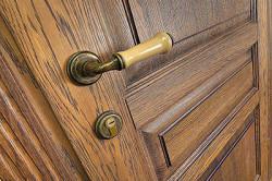Ремонт двери в стиле ретро