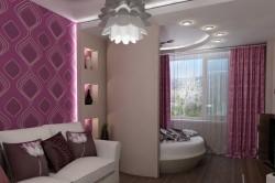 Разделение спальной и гостиной комнаты при помощи перегородки