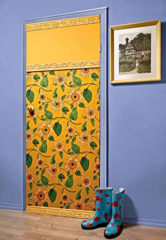 Декор двери тканью своими руками фото
