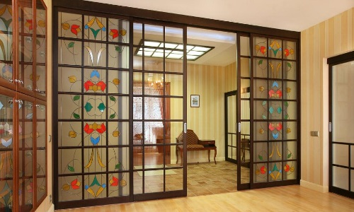 Художественная роспись стеклянных дверей